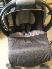 Chicco keyfit 30 with base and caddy in very good condition