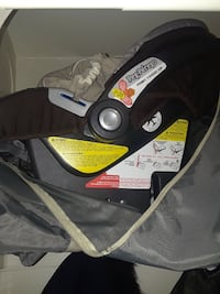 OBO USED INFANT CAR SEAT Ottawa, K1L