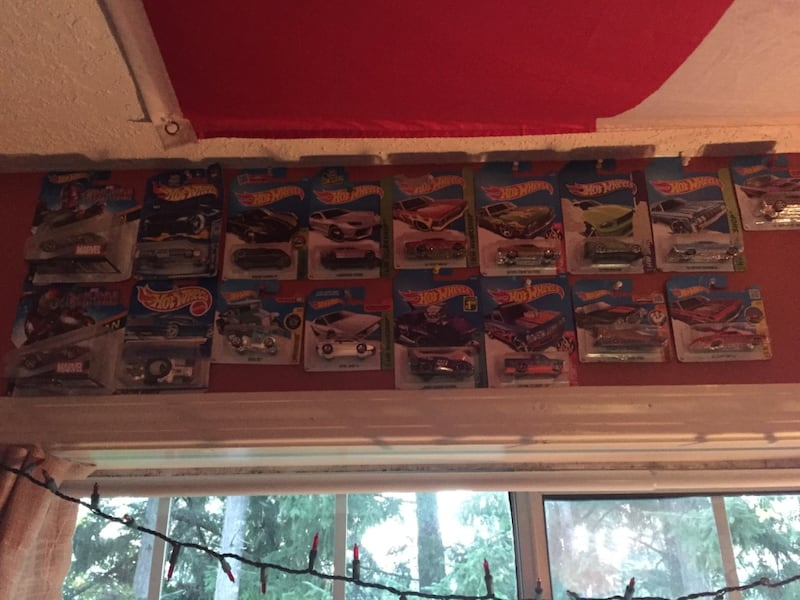 Assorted pokemon trading card collection ba375b67-7388-4012-92c2-6d5eb88fccf7