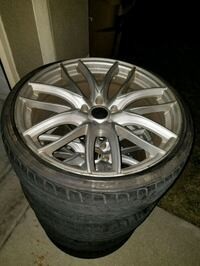 chrome multi-spoke car wheel with tire set