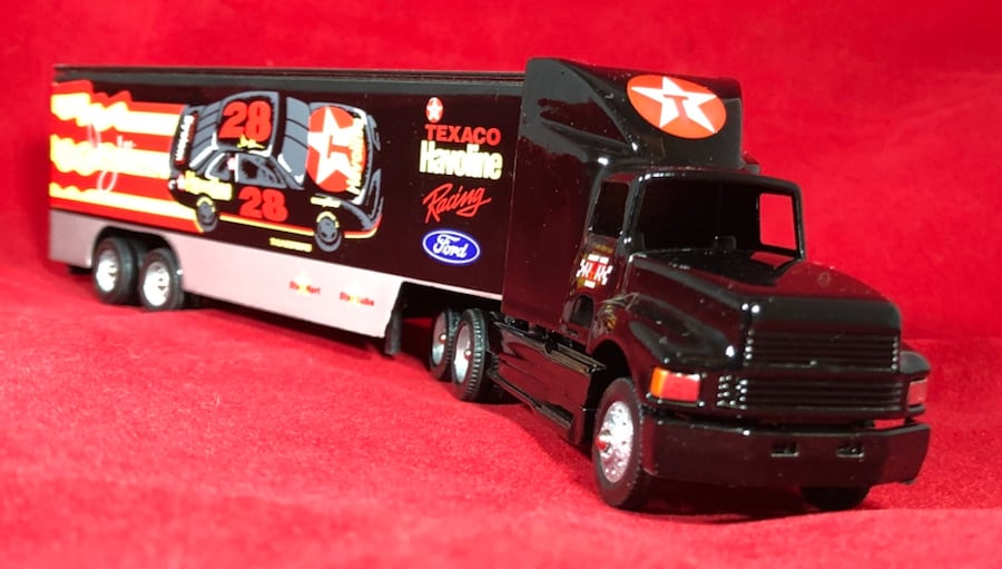 Davey Allison Texaco Havoline 1/64 Winross Hauler Transporter #19. New 0