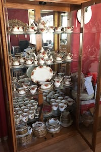 Royal Albert Old Country Roses and China Cabinet