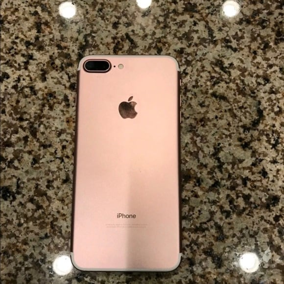 iPhone 7+ 32 gb for sale