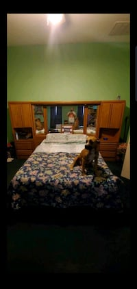 bed room set paid 3000 less yr ago 2 drss hd brd Las Vegas, 89110