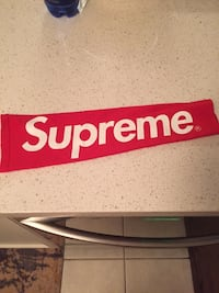 1 red supreme shooting sleeve 100% real Toronto, M2K 3C1