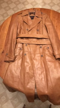 Casablanca like new full length leather coat size 11/12 pet and smoke free you can try it on before deciding can deliver to in york area (firm) York, 17402