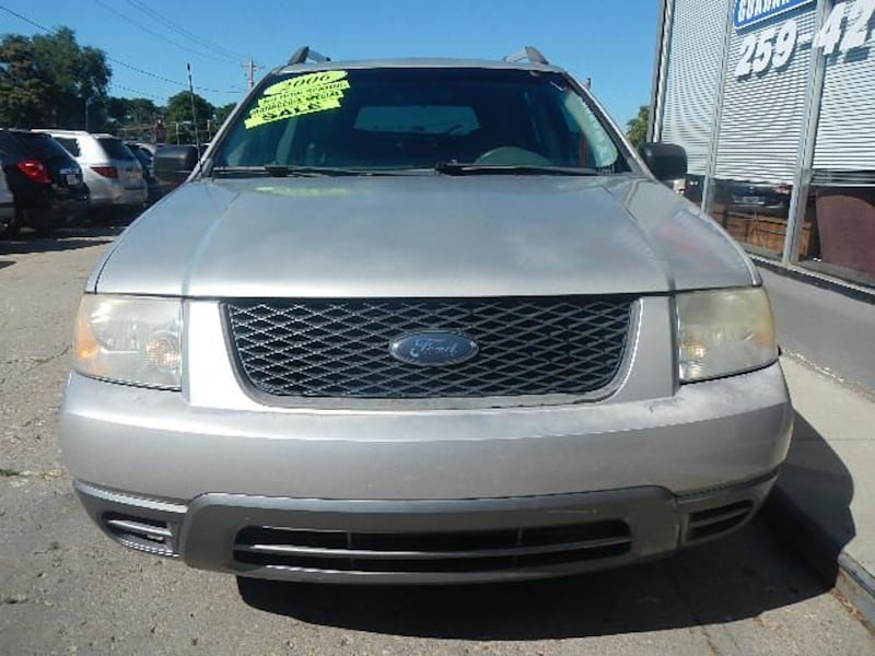 2006 Ford Freestyle SE DISCOUNTED $2000 OF RETAIL 1b3d1a19-b56f-467f-95d0-7c51eeee9541