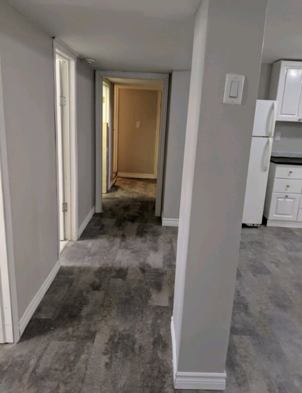 Spacious 2  Bed+Den Bsmt Apt, Great Location in the Vanier Area! 9f9957db-c847-455e-8a99-a31cb2a177c7