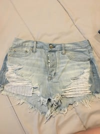 Front button American Eagle distressed jean shorts Langley, V1M