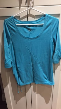 Blue athletic top size medium London, N6B