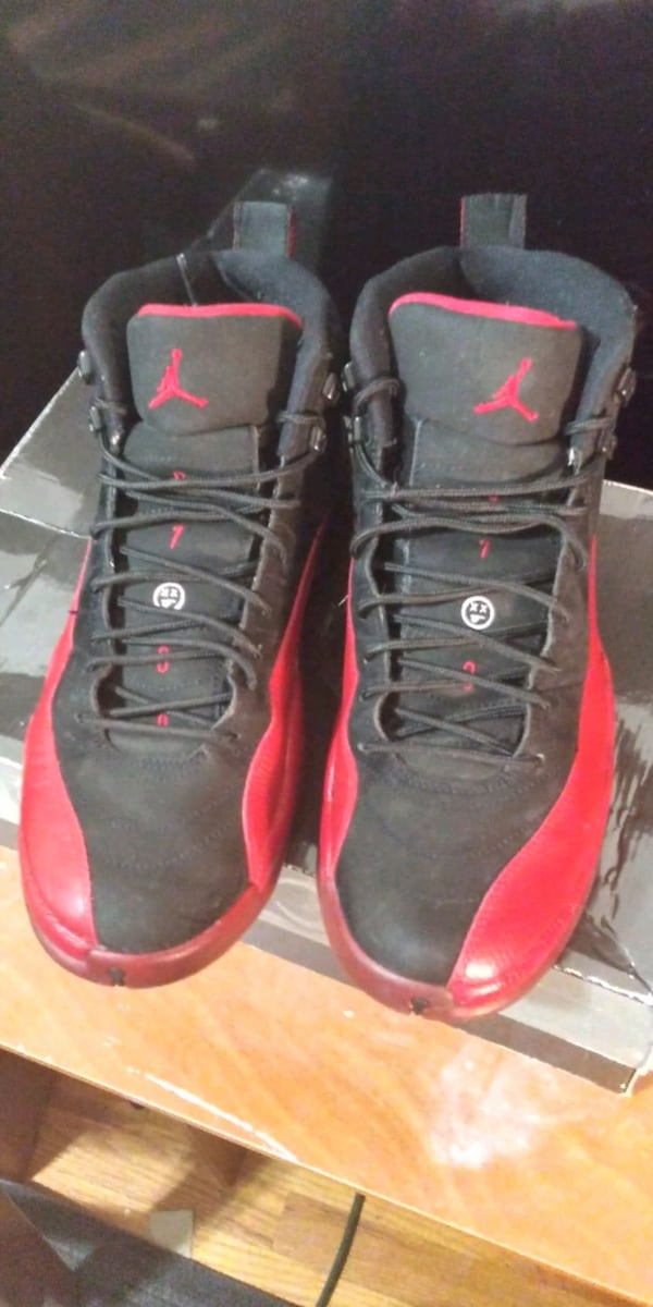 Flu Game 12's 2009, *MUST COME TO ME* *GREAT CONDITION* look at pic 10 bfdd5778-8ae6-4f0c-ab82-96c33af705be