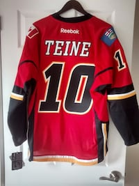 NHL-Reebok-Calgary Flames Teine #10 Jersey- Mens Large  Brand new with tags. Toronto