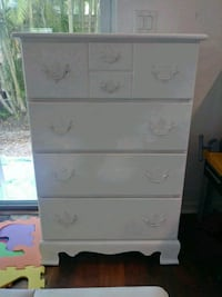 Wood tall boy 4 drawers dresser Can deliver! Oakland Park, 33309