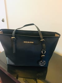Mk bag ( new condition)  Longueuil, J4M 1X7