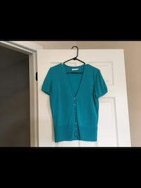 Ladies size Large Top  Milton, L9T 2R1