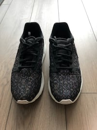 Le Coq Sportif Black Sneakers with Rainbow Shine Size 5.5