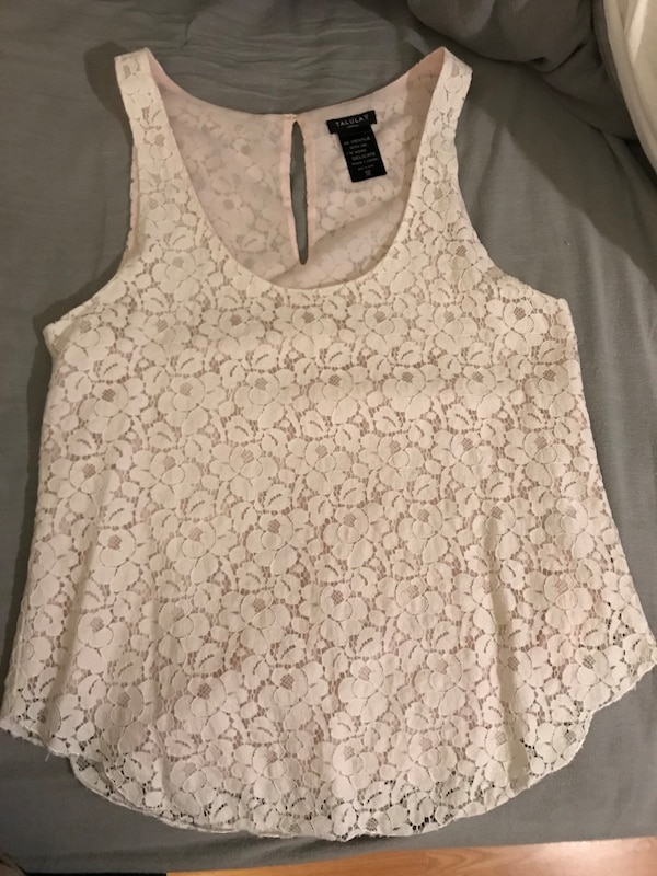 9b1a5cfbfbf1d5 Used Aritzia and old navy women s tank tops for sale in Kitchener ...