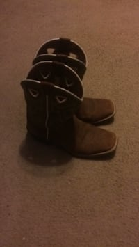 pair of brown leather boots Ball, 71405