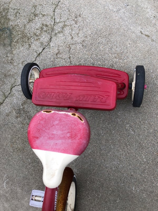 tricycle for  kids da1c0c80-1101-4128-8ce9-405596ba234f
