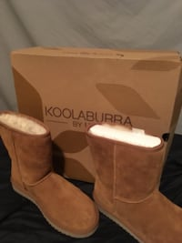 Pair of brown ugg boots Calgary, T2Y
