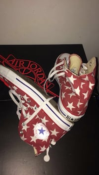 Pair of red-and-white star-printed Converse All-Star high Ottawa