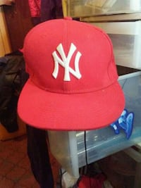 red and black New York Yankees fitted cap Calgary, T2B 0E5