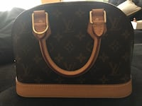 Brand new Authentic LOUISE Vuitton tote  Newmarket, L3X 1J3