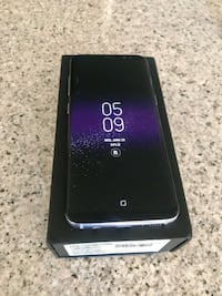 Galaxy S8 64 GB factory unlocked for all carriers worldwide tiny hairline crack, Price is firm no offers Las Vegas, 89101