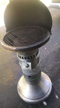 gray metal gas grill