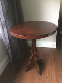 Round brown table small chip on the edge Whitchurch-Stouffville, L4A 2G3