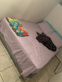 Queen size bed Hyattsville, 20783