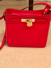 Michael Kors Red Crossbody  Independence, 64015