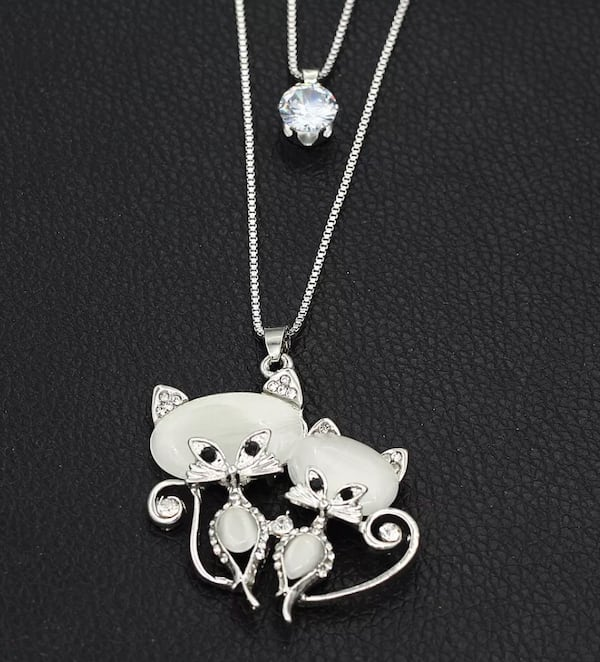 NEW Betsey Johnson lovely Chrystal opal CZ double cat pendant with long chain 19936433-41de-4bab-afcd-9c79eef7822f