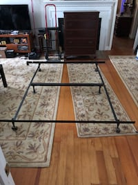 King metal bed frame Lorton, 22079