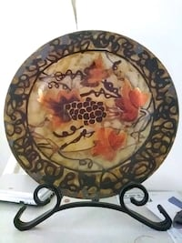 round brown and black floral ceramic plate San Marcos, 92069