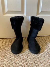 Old Navy new with tags  Faux-Fur Lined Faux-Suede  Boots for Girls Alexandria, 22310