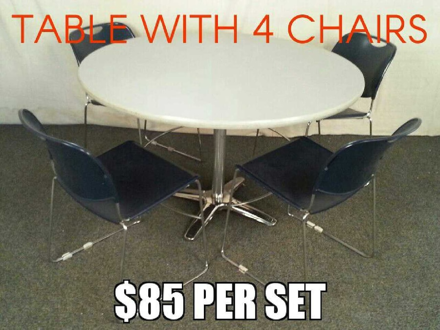 Photo 48 Round Table with 4 Stackable Chairs