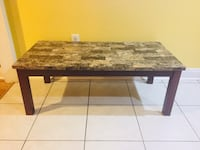 Beautiful Set of coffee table and two side tables New Orleans, 70122
