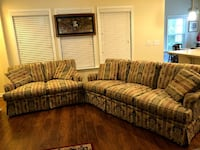 Sofa & Loveseat null