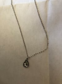 Paparazzi silver necklace with matching earrings. Louisville, 40222