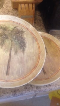 two brown-green-gray palm tree ceramic decorative plates St Catharines, L2M 7S3