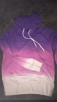 never worn hoodie from zumies size small Grawn, 49685