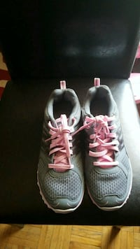 pair of gray-and-pink running shoes Toronto, M9N 2T7