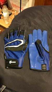 CUTTERS FOOTBALL GLOVES Oakville, L6L 2Y4