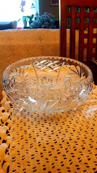 Antique Pinwheel, Heavy crystal 3 footed dish Barrie, L4N 6C3