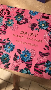 Daisy by Marc Jacobs, Large gift set, never been used  DeLand, 32724