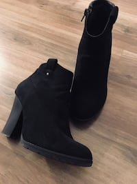 Size 6 ankle boots  Mississauga, L4X 2Z3