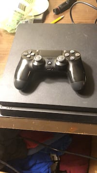 Ps4 game console with wireless remote