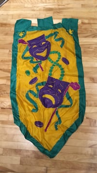 Mardi Gras Flag from New Orleans  790 km