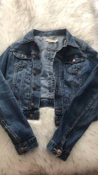 Super cute H&M jean jacket! Montreal